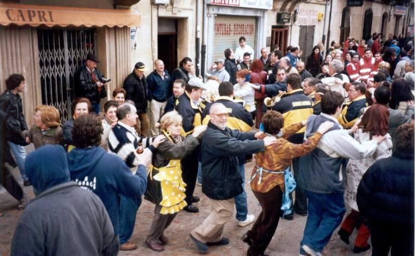 'Pintoyo', el 'invitado' no esperado de la peña 'El último' del Carnaval de CiudadRodrigo
