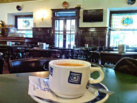 Nuestros desayunos en el Derby sentados en la mesa de don Ramón (ValleInclán)