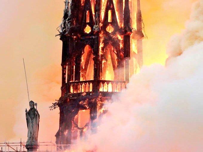Arde París, arde Notre Dame y en mi piel se para eltiempo