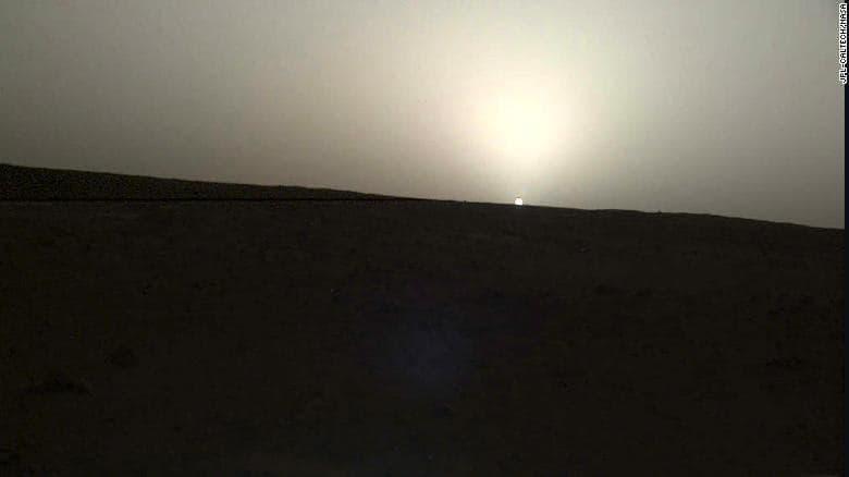 La maravilla de ver un atardecer desde Marte, aunque sea por foto yseparados